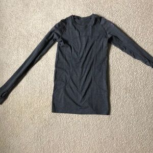 Lululemon  x Soul Cycle long sleeve workout shirt
